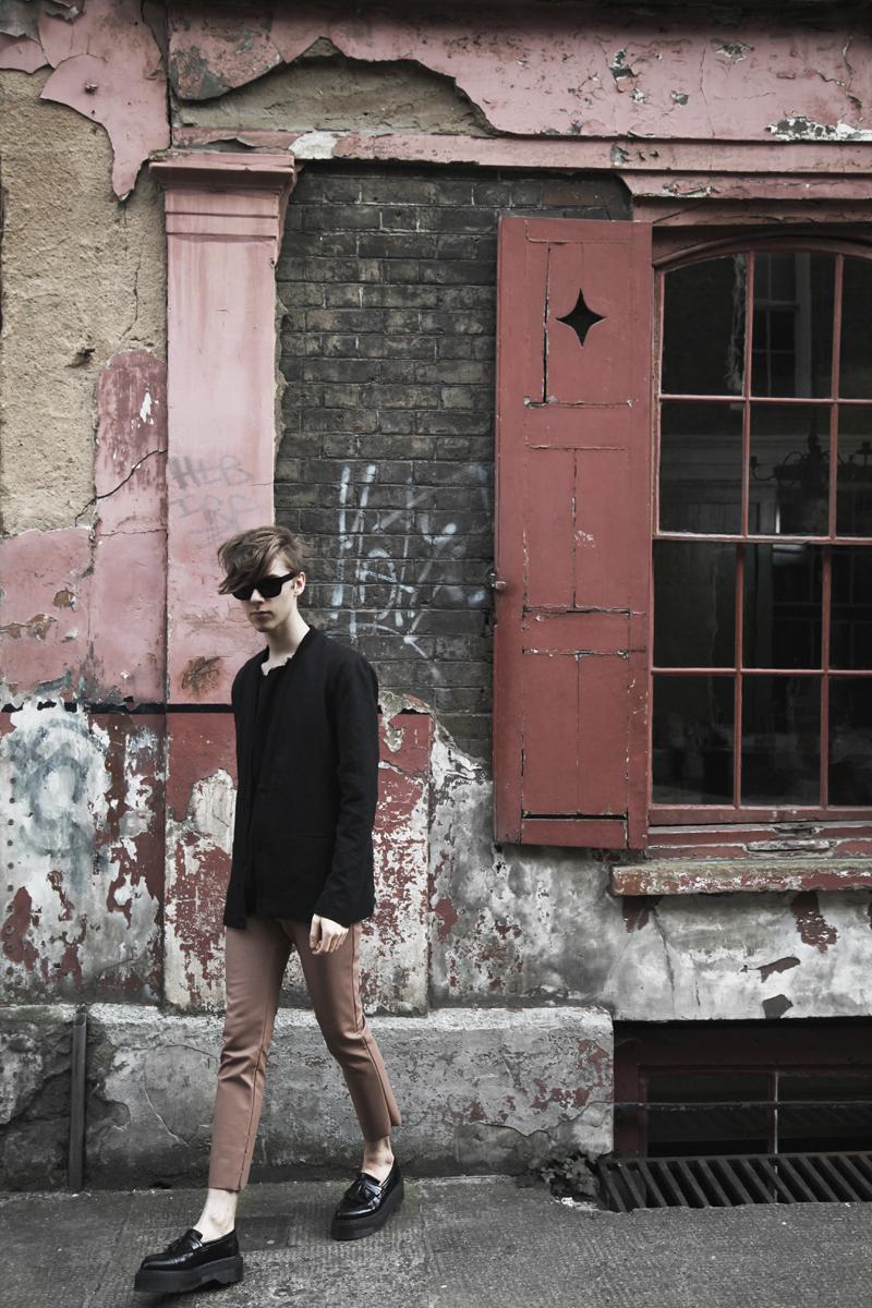 mikkoputtonen_fashionblogger_london_acnestudios_weekday_drmartens2_web