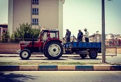 #people #working #tractor #streets #ontheroad #reyhanlı #turkiye #sunny #subhanAllah #ig_sharepoint #ig_people