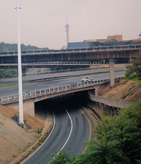 rail transport(0.0), public transport(0.0), track(0.0), viaduct(0.0), skyway(0.0), highway(1.0), junction(1.0), transport(1.0), road(1.0), lane(1.0), controlled-access highway(1.0), overpass(1.0), infrastructure(1.0), bridge(1.0),