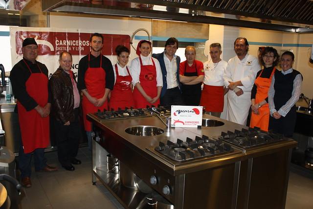 Foto de grupo de los participantes del concurso Mejor Hamburguesa de Salamanca 2015
