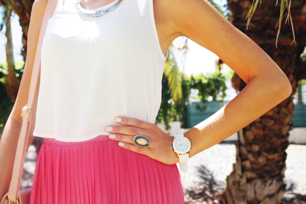 canary islands outfit posts