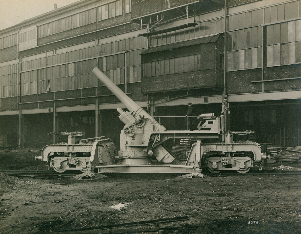 Gun on railway truck mounting at the Elswick Works