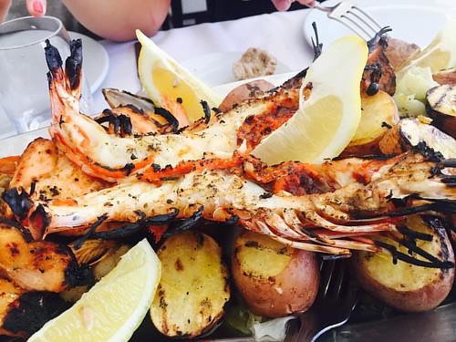Aqui o camarão desluga automaticamente aos 30 cm.  #dacozinhaontour #dcbyjoebest #dacozinha  #denorteasul #festaContinente #tascaPortuguesa #tonycarreira #mangualde