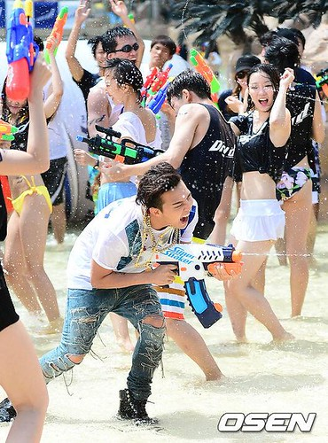 GDragon_WaterWorld_CF-Event_20140704 (22)