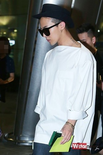 GDragon-IncheonAirport-backfromHongKong_20140806 (19)
