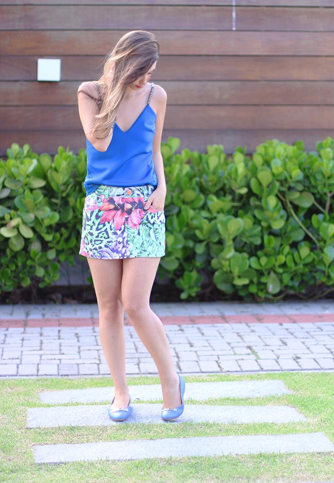 03-saia jeans colorida estampada e blusa azul naguchi verão blog sempre glamour