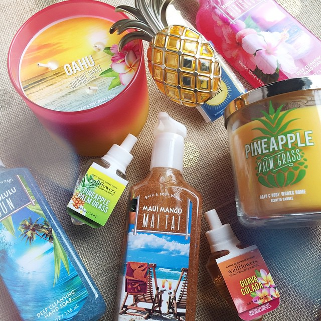 After the Easter bunny, it was time to stock up on Spring scents!!! Isn't the pineapple wallflower outlet the cutest? 🍍🍍🍍 I 💛 how Bath and Body Works is all about Hawaii right now! I can't wait to go there someda
