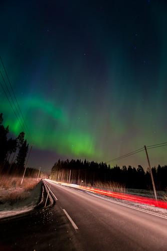 road longexposure winter light sky snow cold car night forest suomi finland dark landscape outside outdoors lights frozen nikon europe aurora northern jyväskylä jyvaskyla borealis highiso wideopen sigma1020mm d600 muurame