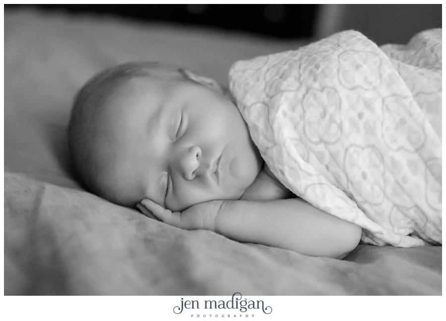 elsie-newborn-54-bw