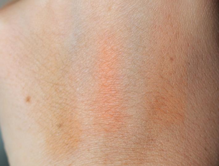 review and swatches: Guerlain terracotta joli teint powder duo bronzer