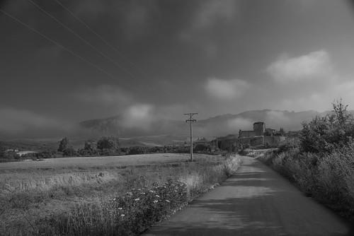 San Andrés amanece mientras se disipa la bruma.