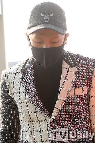 Tae Yang - Incheon Airport - 09jan2015 - TV Daily - 09