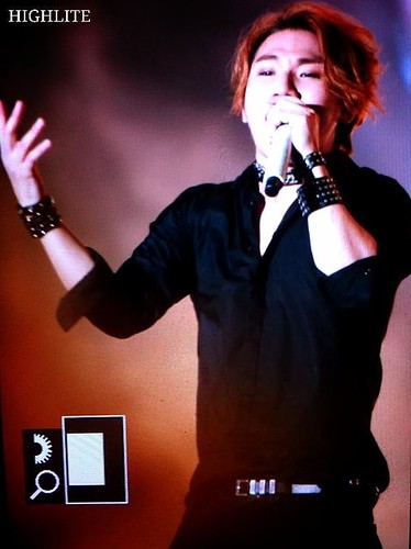 YGFamCon-morepics-20141025_042