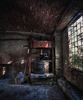 The presser (Castello Di Lauriano)