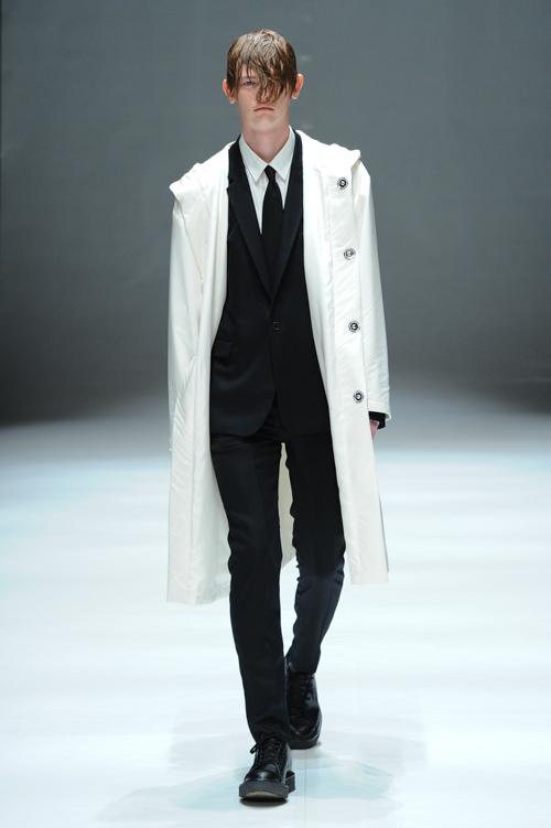 Robbie McKinnon3069_FW15 Tokyo DRESSEDUNDRESSED(Fashion Press)
