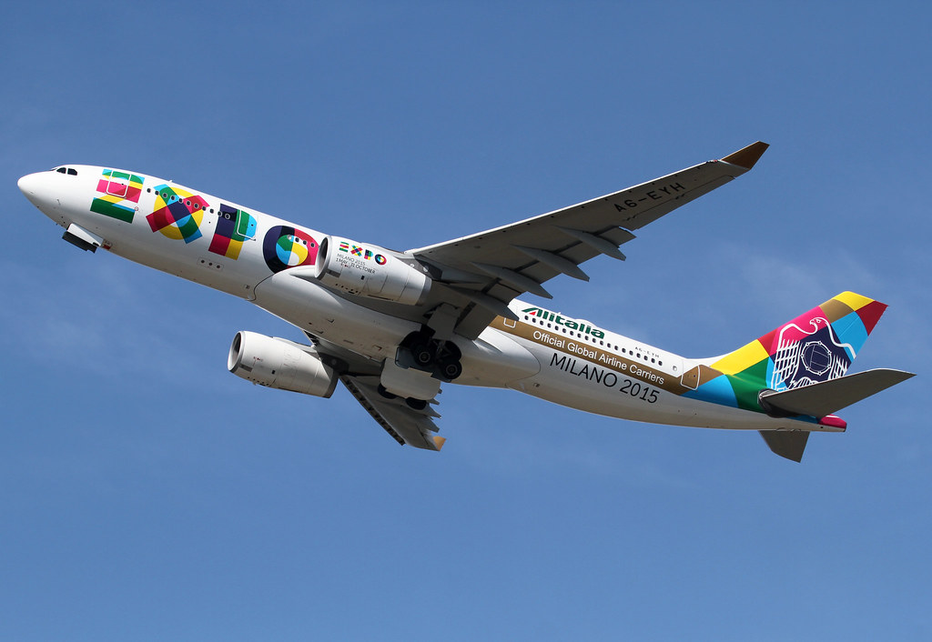 EY02 to Abu Dhabi AUH is climbing out of RWY18. EXPO 2015 special scheme. Delivered 04/2006.