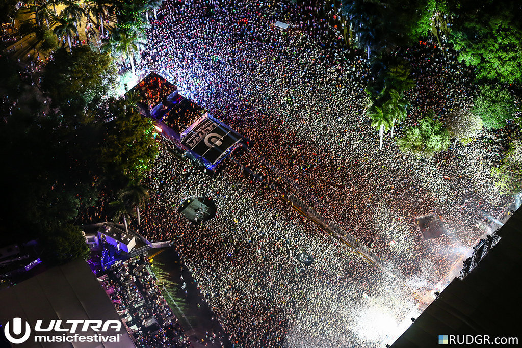 View from the chopper @ Ultra Music Festival 2015 - Photo: © Rudgr.com