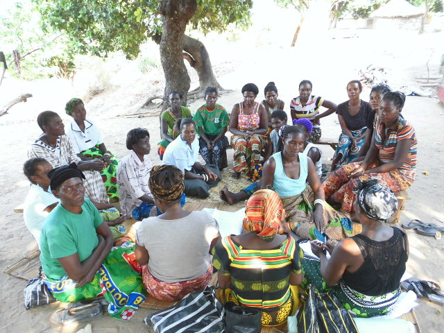 Women attending a social and gender analysis focus group discussion, Zambia. Photo by Festus Zulu.