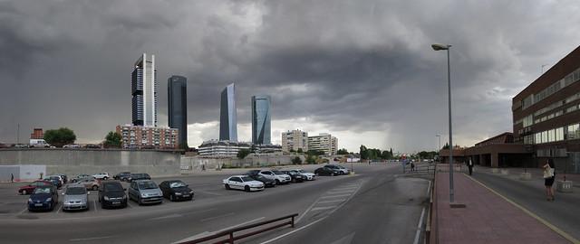Storm clouds and rain at Las Cuatro Torres, Madrid (2016)