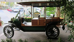 golf cart(0.0), carriage(0.0), cart(0.0), automobile(1.0), wheel(1.0), vehicle(1.0), mode of transport(1.0), antique car(1.0), vintage car(1.0), land vehicle(1.0), ford model t(1.0),