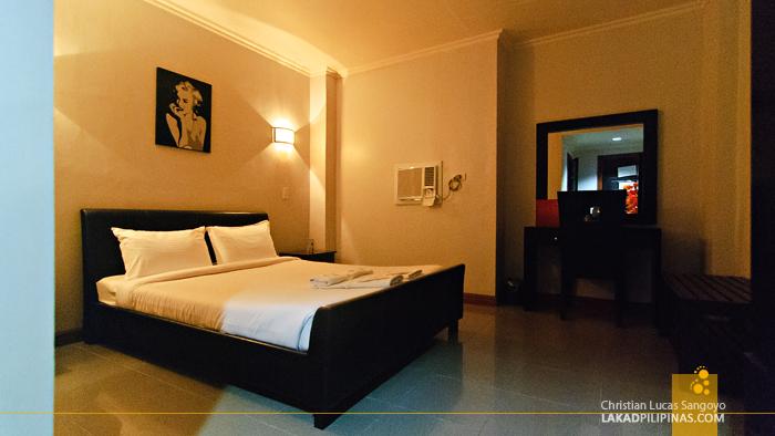 Holiday Plaza Hotel Standard Deluxe Room Tuguegarao