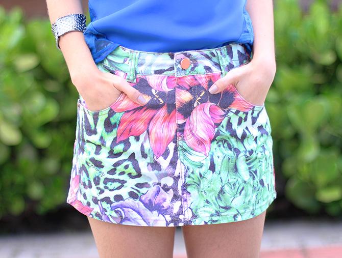 07-saia jeans colorida estampada e blusa azul naguchi verão blog sempre glamour