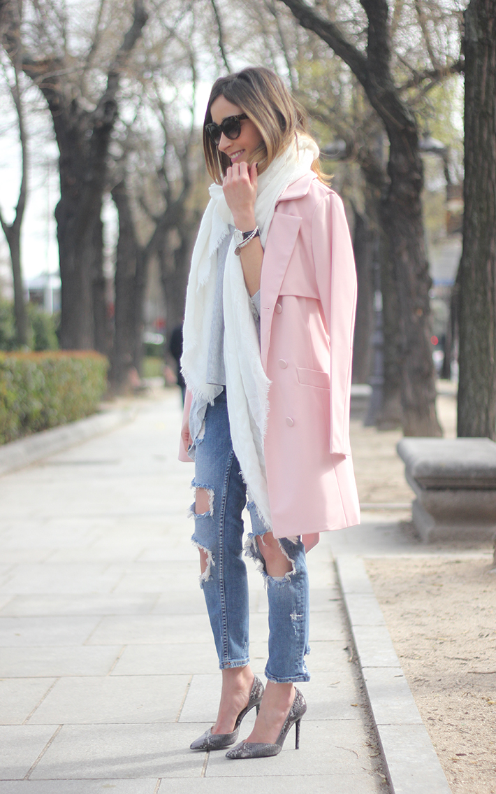 Pink trench & Ripped Jeans01