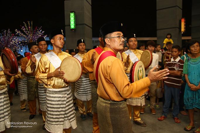the-shore-shopping-gallery-malacca-river-melaka-malaysia