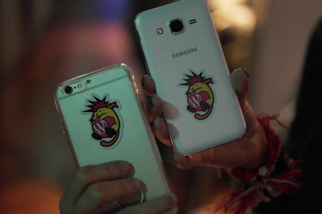 2015-03-22-wapuu-phones