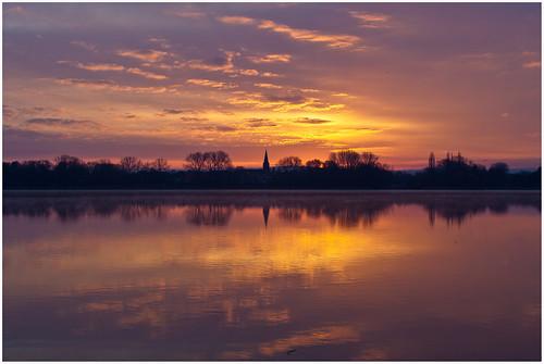 sun lake color water colors clouds sunrise germany deutschland dawn see colorful wasser bluesky sonnenaufgang farbig farben dud naturschutzgebiet lowersaxony eichsfeld seeburgersee ef70200mmf4lisusm canoneos5dmarkii lakeseeburg