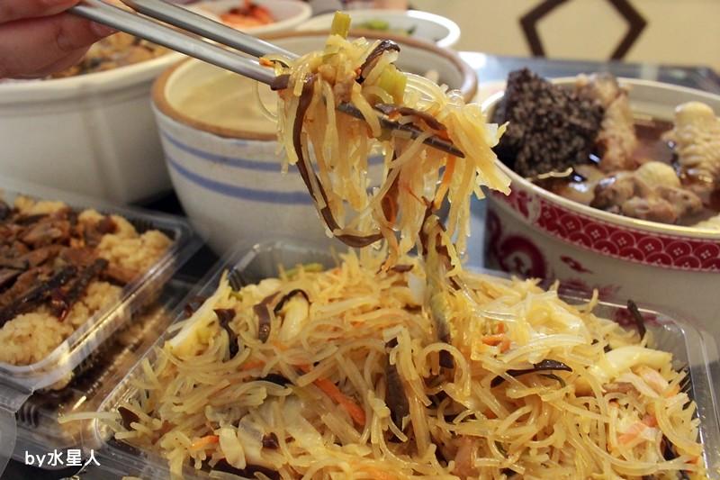 27653428354 23aef9c81a b - 熱血採訪|台中西區【饎祕製古早味】向上市場熟食老攤,四神湯、什菜湯太讚啦!