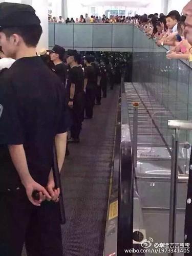 more BIGBANG arrival Shenzhen 2015-08-07 (68)