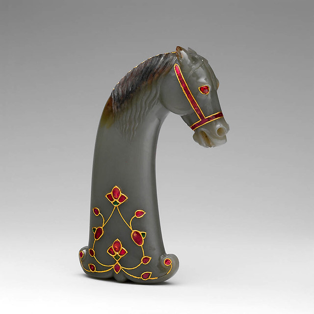016 Mango de espada con forma de cabeza de caballo-© The Metropolitan Museum of Art. All rights reserved