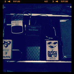 Setup do pedalboard da eletro // 2015.  #eletrochurch #pedalboard #setup #guitar #adoracao #worship #adoracion #tele #telecaster #geartalk #rocknroll #rock #indie #alternative #worshipband #church #roar  www.facebook.com/eletrochurch