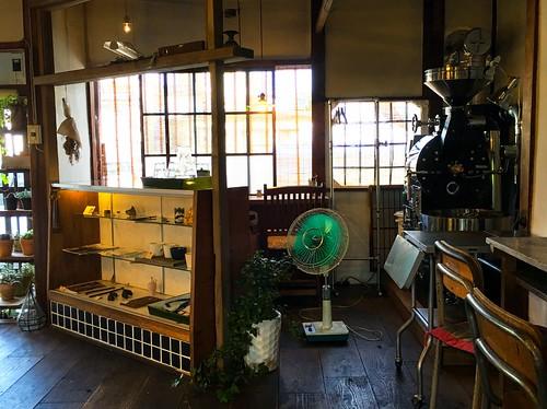 japan nagano coffeeshop coffee machine cafe chair table fan sunset walkabout iphone iphone6splus