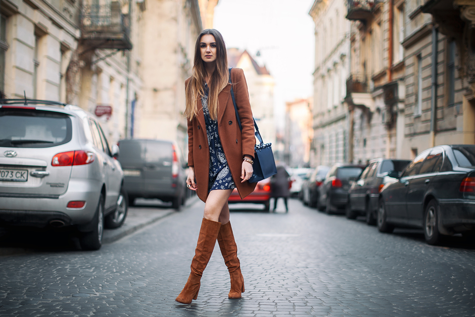 tall-suede-boots-brown-coat-outfit-street-style