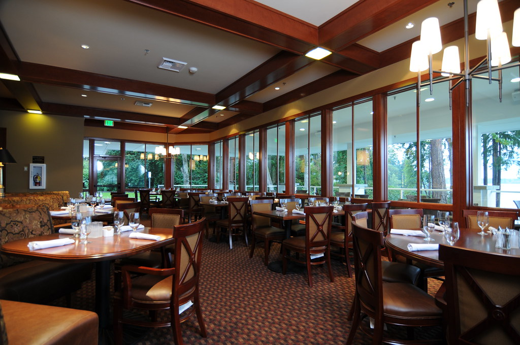 Tacoma golf country club bargreen ellingson restaurant