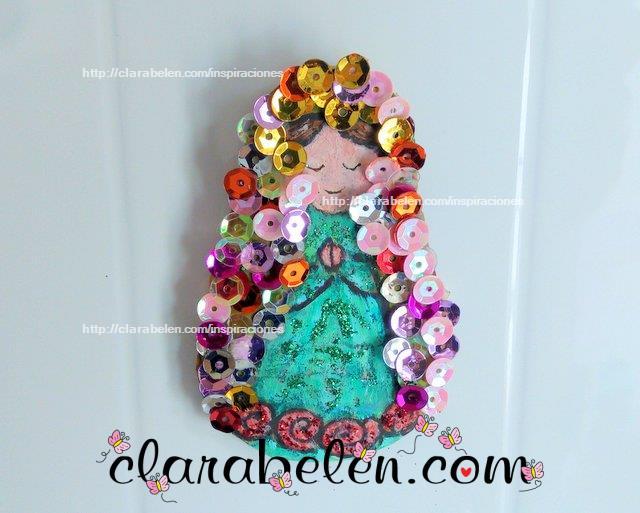 Como dibujar a la Virgen Maria con moldes de tapones de plastico