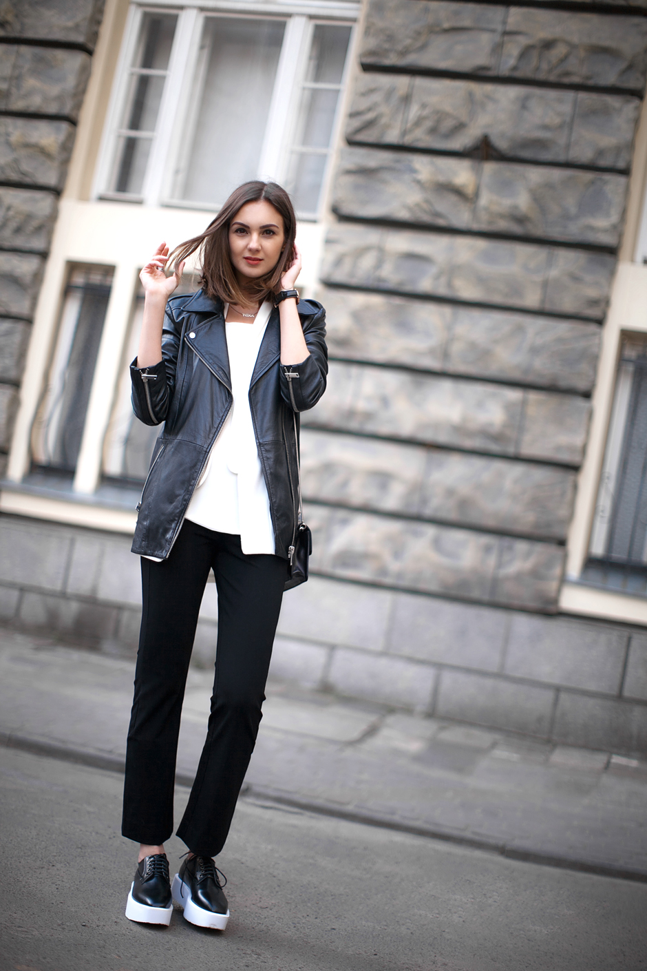 black-oversized-letaher-jacket-outfit-streetstyle