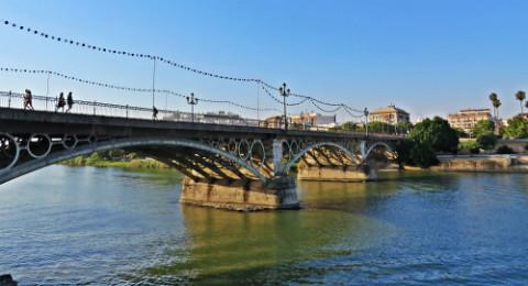 Puente-Triana-Velá