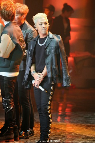 Taeyang-GoldenDisc-Awards-mainshow-20150114-HQs-creditonpicl-2