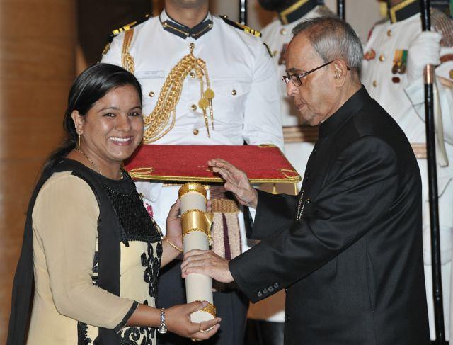Saba Anjum receives the Padma Shri award at the hands of President Pranab Mukherjee at the Civil Investiture Ceremony at Rashtrapati Bhavan on April 8, 2015