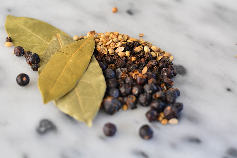 bay leaf, juniper berries + coriander seeds
