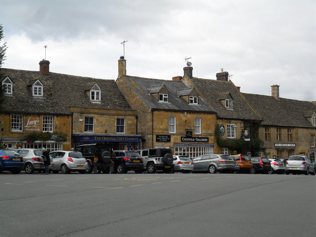 The Cotswolds  and Moreton in Marsh (19)