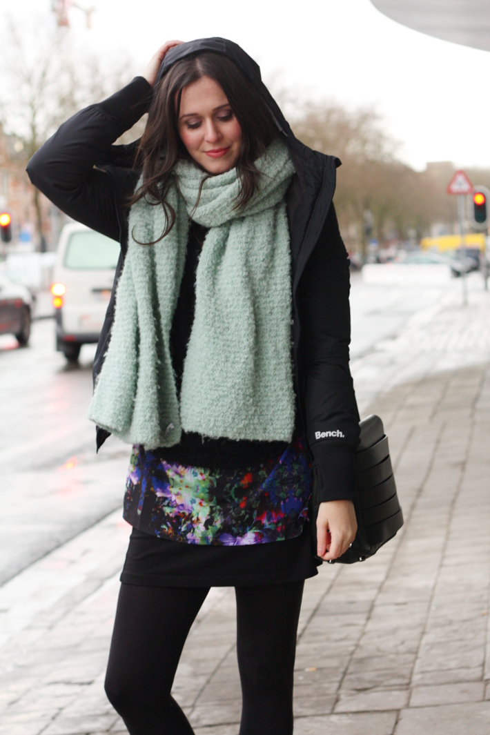 casual outfit: layers, oversized scarf