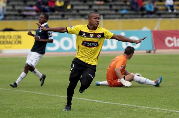 Barcelona gana 2-1 a Universidad Católica en Quito