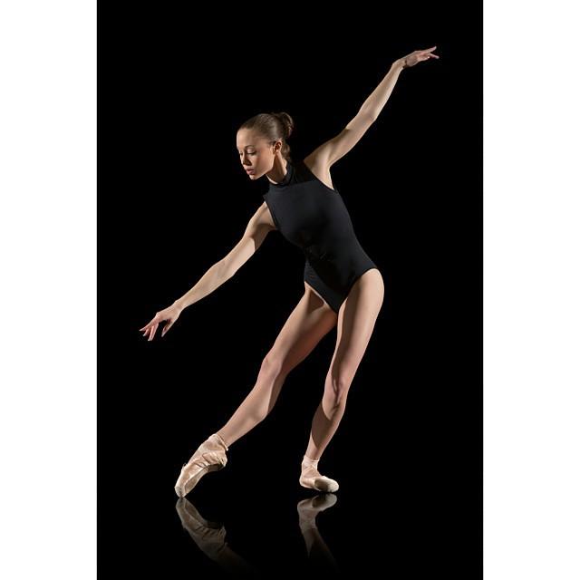 Photo: Cédric TOSONI www.cedric-tosoni.fr #ballerinaproject #ballerinaproject_ #ballerina #dance #london #englishnationalballet #royaloperahouse #venezia #balletdancer #pointe #tutu #dancer #toulouse #nyc #miami #losangeles #sanfrancisco #ballet #danse #m