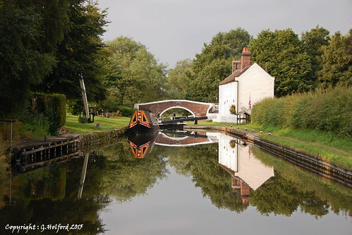 england canal nikon lock cottage staffordshire barge narrowboat waterway staffsworcs d40