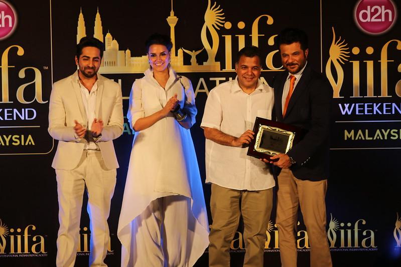 L-R - Ayushmann Khurrana, Neha Dhupia, Raj Nayak (CEO, Colors) & Anil Kapoor
