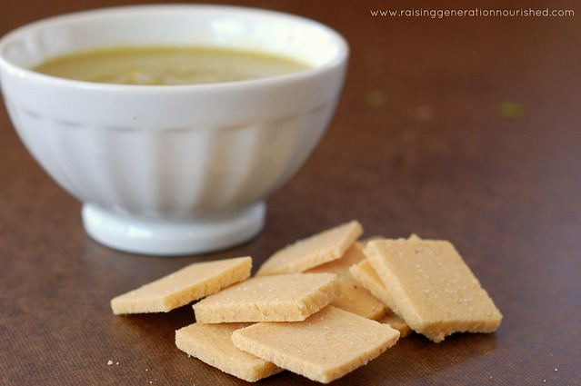 Simple & Quick Homemade Crackers :: Gluten Free w/ Grain Free Option